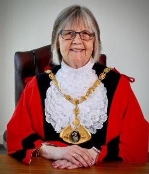 Mayor of Dacorum Councillor Rosie Sutton is launching an Everyday Heroes competition
